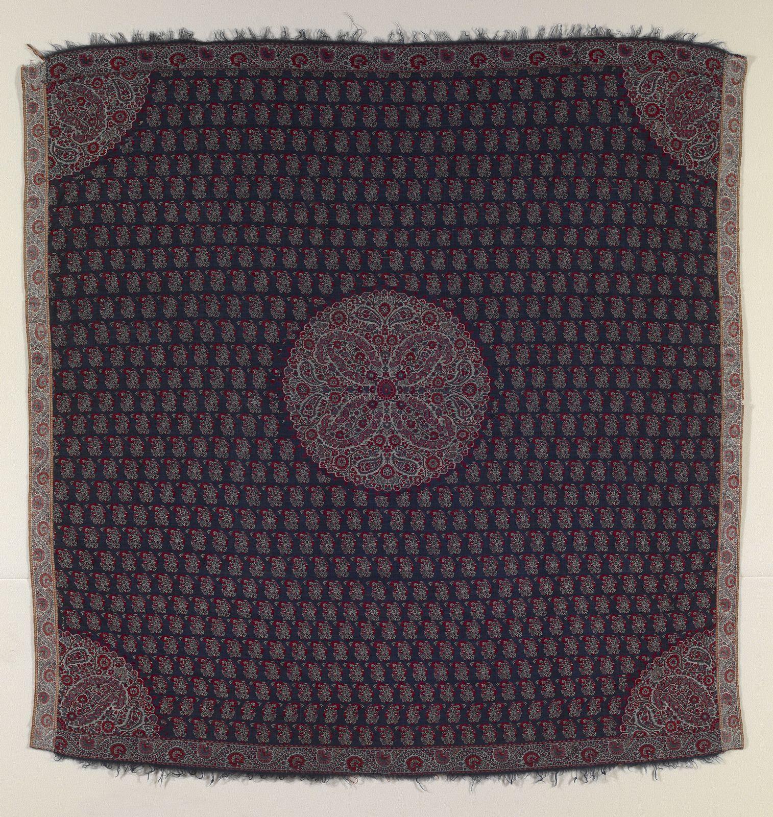 moon shawl circa 1815