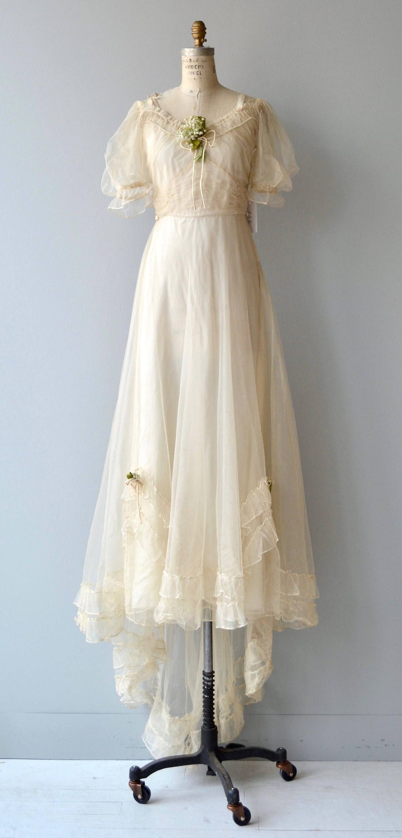 1930s wedding dress  Cantabile wedding gown  vintage s wedding dress  s wedding