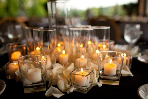 Elegant Wedding Table Decorations   The Confetti Blog: Decorating With Rose Petals    Ideas And Inspiration