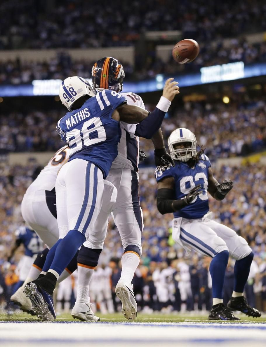 Colts show Peyton Manning tough love in his return to