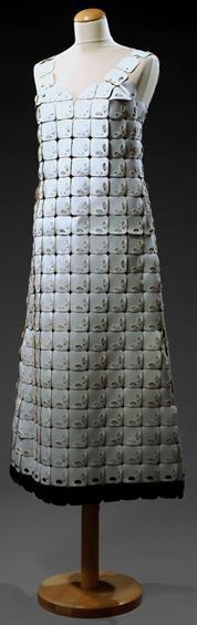 Dress, attributed to Paco Rabanne, c. 1965. Museu Nacional do Traje.