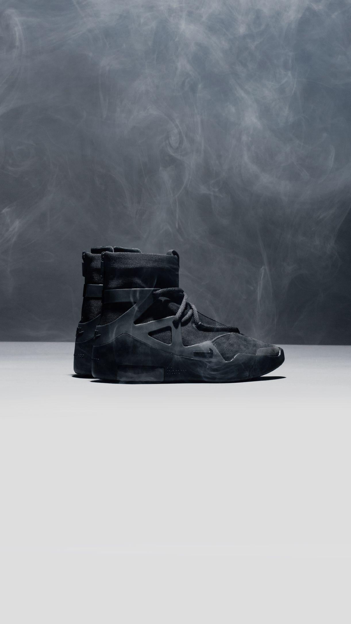 Tristemente exhaustivo Villano  Air Fear of God 1 'Triple Black' in 2020   Triple black, Shoe boots, Black