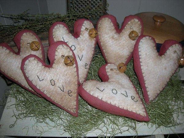 primitive valentine heart ornies/bowl fillers from Megans Primitive Cupboard pattern $7.99