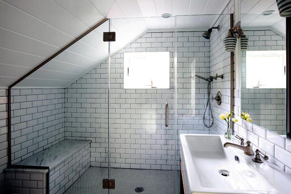 11 Spektakulare Kleines Bad Ideen Dachgeschoss Rosamobel Info In 2020 Interior Design Bathroom Small Small Bathroom Bathroom Remodel Master