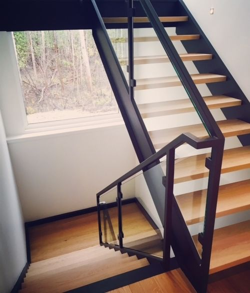 Best Tubular Steel Railing With Custom Glass Slips Custom 400 x 300