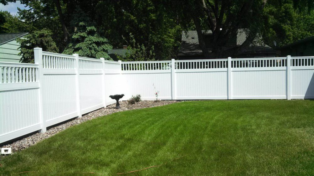 Tri Max With Spindle Top Privacy Fence Gallery Phillips Fencing Fence Privacy Fence Types Of Fences