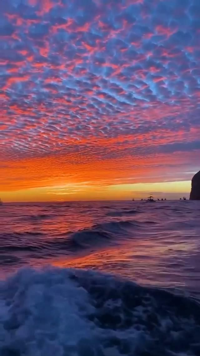 Enchanting sight that will surely take your breath away This incredible Cabo sunset is me… [Video] in 2021   Sunset photography, Beautiful photos of nature, Beautiful nature scenes