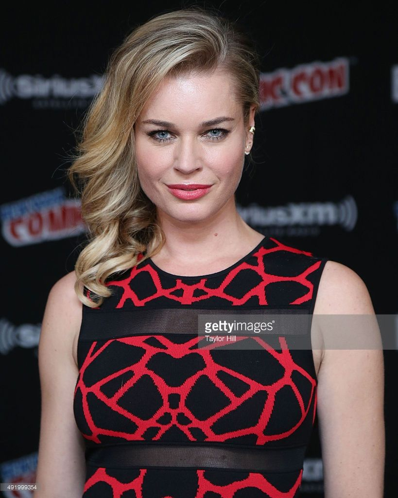 Rebecca Romijn visits the SiriusXM Studios at New York Comic-Con at The Jacob K. Javits Convention Center on October 9, 2015 in New York City.