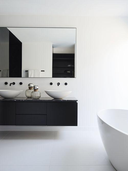 Pin by Margo Wils on Badkamer | Pinterest | Modern bathroom ...