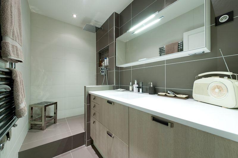 Salle De Bains Couloir Par Larchitecte Dinterieur Séverine - Salle de bain couloir