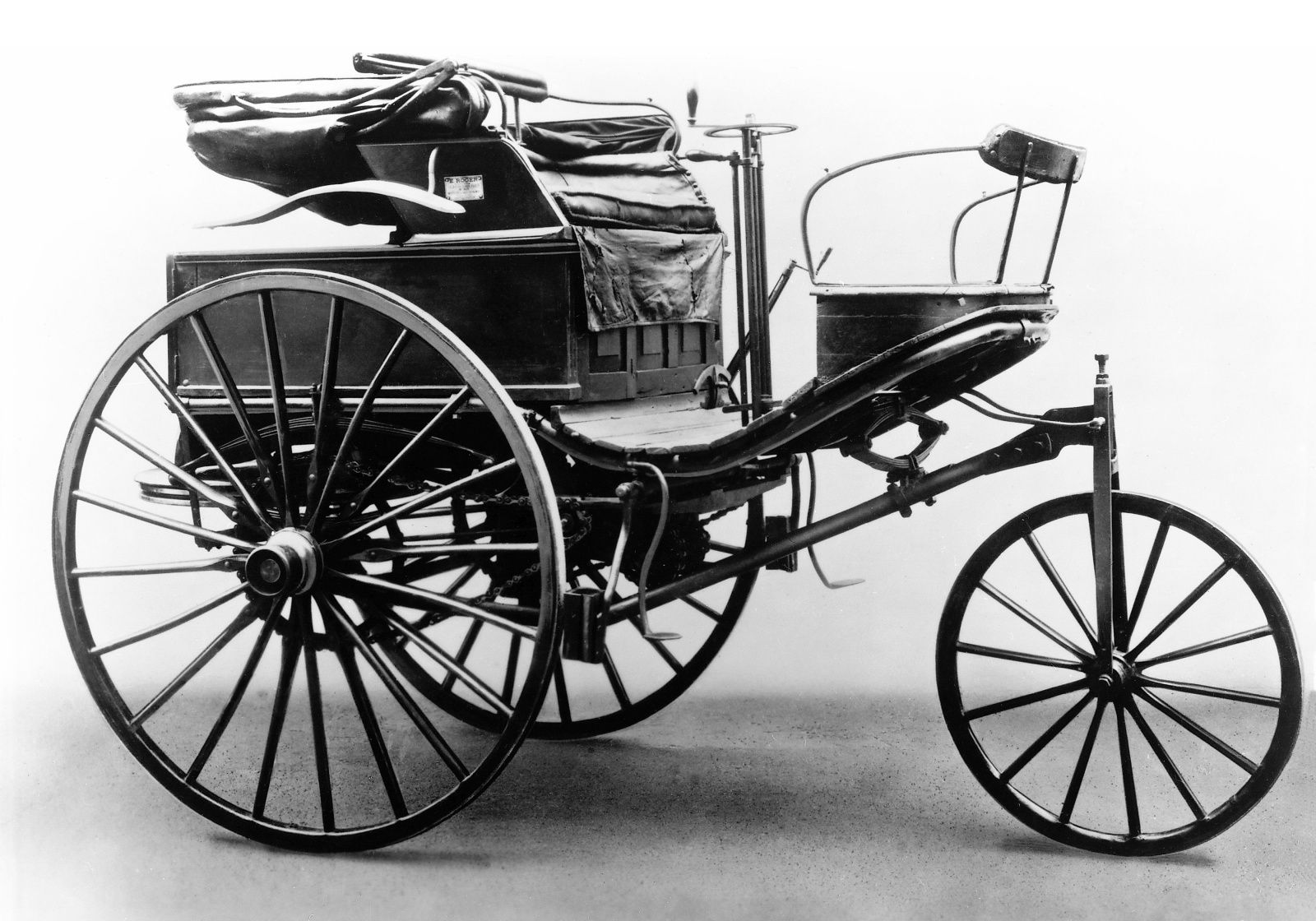 Carl Benz Patent Motor Car 1888 his first one, his wife drove this ...