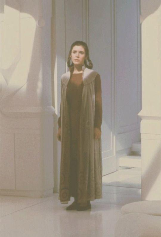 "Carrie Fisher ""Princess Leia"" ,Cloud city Empire Strikes Back @retrostarwarsstrikesback"