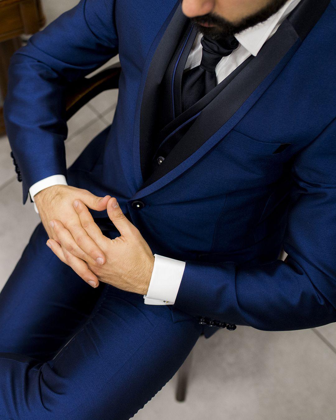 scarpe da ginnastica a buon mercato ca4b7 1be39 Elegante Abito uomo bluette con Giacca Blu elettrico con ...