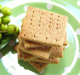 Lucy's Diabetic Friendly Low Carb Meals: Graham Crackers