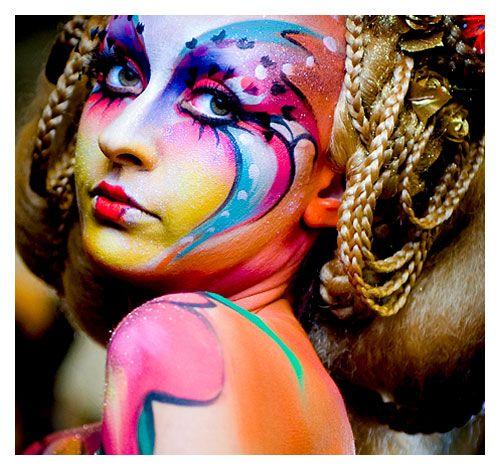 Maquillaje y Vestuario