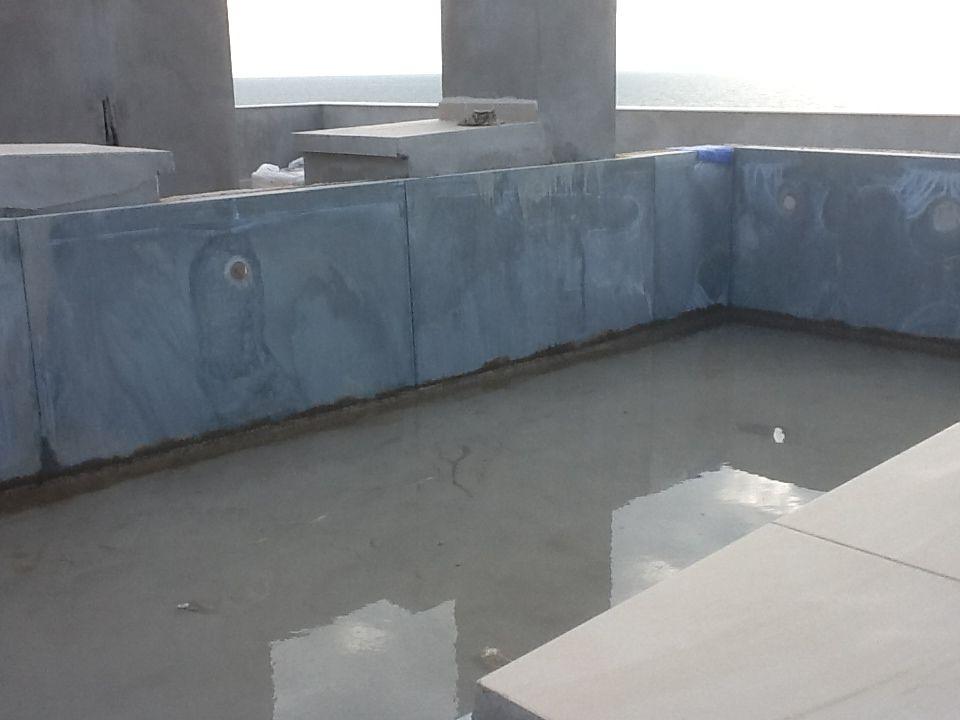 estructura de piscina prefabricada con bloques de acero