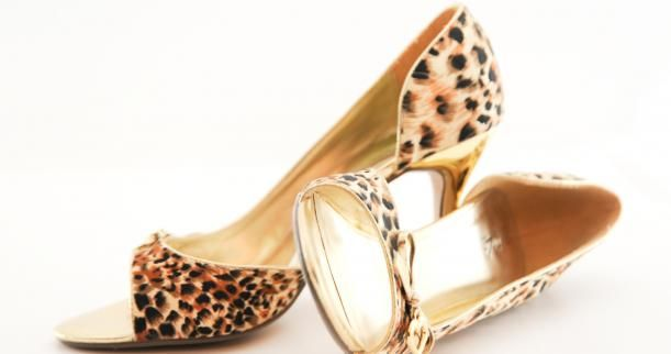Lavishcoupon now offers all the latest Shoes coupons for you to save your cash on a vast collection of shoes.