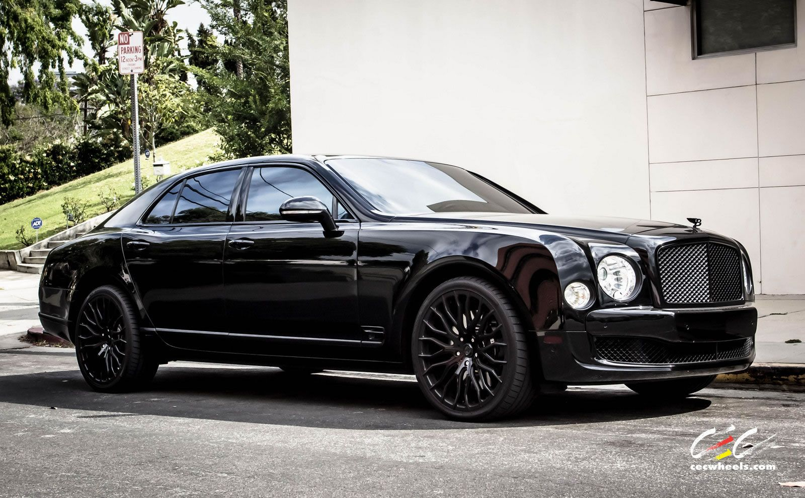 specs photos reviews mulsanne car price driver and bentley