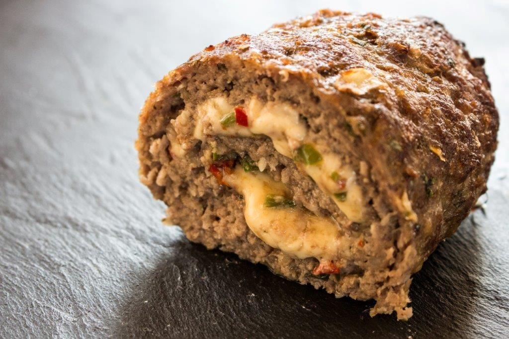 Der Chili-Cheese-Hackbraten ist ein leckeres Gericht saftig - türkische küche rezepte