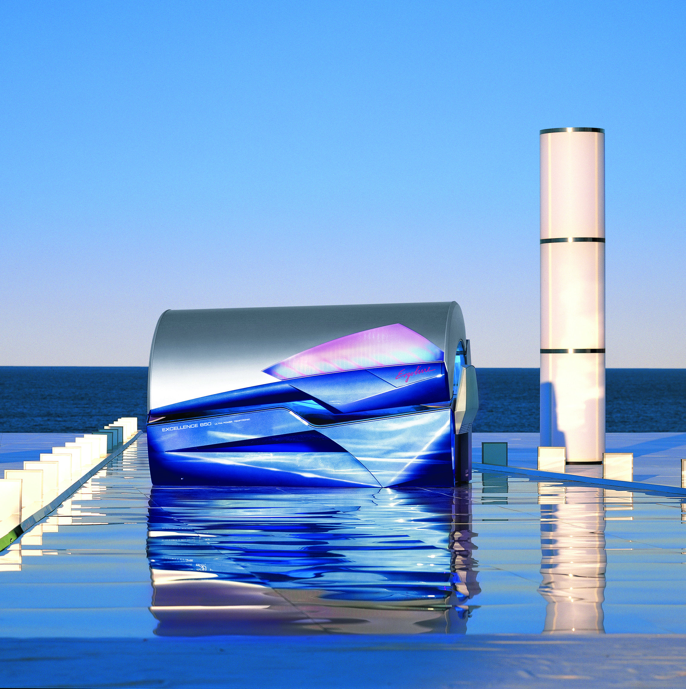 Ergoline 850 Uv tanning beds, Tanning bed, Abstract artwork