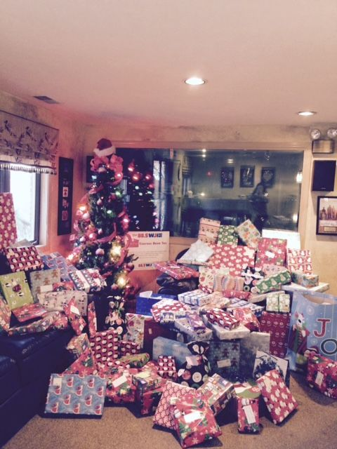 Thanks to everyone, who has been dropping off gifts! While you're shopping this Christmas, please consider buying an extra gift for the Dream Tree.  You can drop off gifts at the 88.5 WJIE studio, 5400 Minor Lane, weekdays between 8:00AM-4:00PM. Please drop off wrapped gifts of clothing for men or women, clothing or toys for boys and girls. You can also drop off gifts at Bob Evans Restaurant locations: 11800 Standiford Plaza Drive and 4620 Preston Highway S. Deadline: 12/21/15. Thanks!