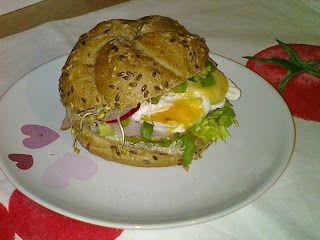 Agi Kuchnia Smaku: KANAPKA Z JAJKIEMW KOSZULCE I DOMOWYM MAJONEZEM  ...