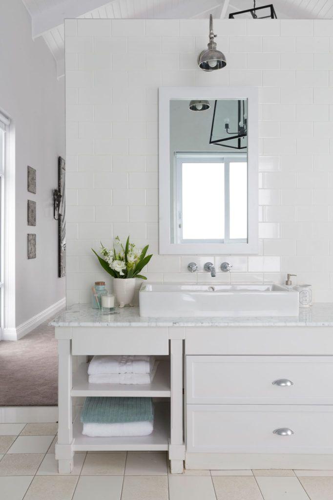 10 Easy Bathroom Decor Ideas Bathroom Decor Simple Bathroom