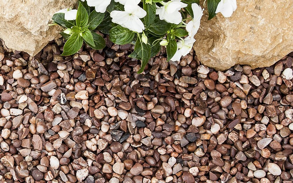 Cheshire Pink Gravel 20mm Single Bag Backyard Landscaping Decorative Gravel Ground Cover