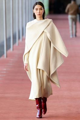 Lemaire Fall 2015 Ready-to-Wear Fashion Show: Complete Collection - Style.com