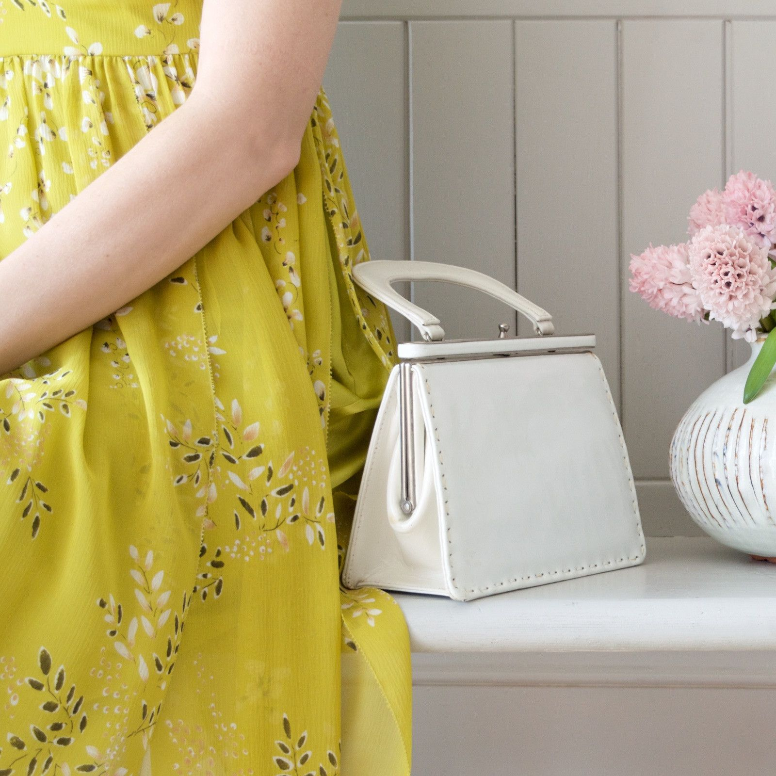 These Classic Small Boxy Framed Handbags Are Super Cute And Stylish In White They