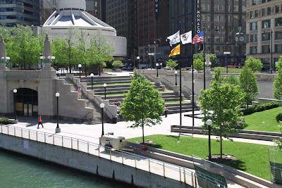Public Art In Chicago Vietnam Veterans Memorial Vietnam Veterans Memorial Vietnam Veterans Chicago Riverwalk