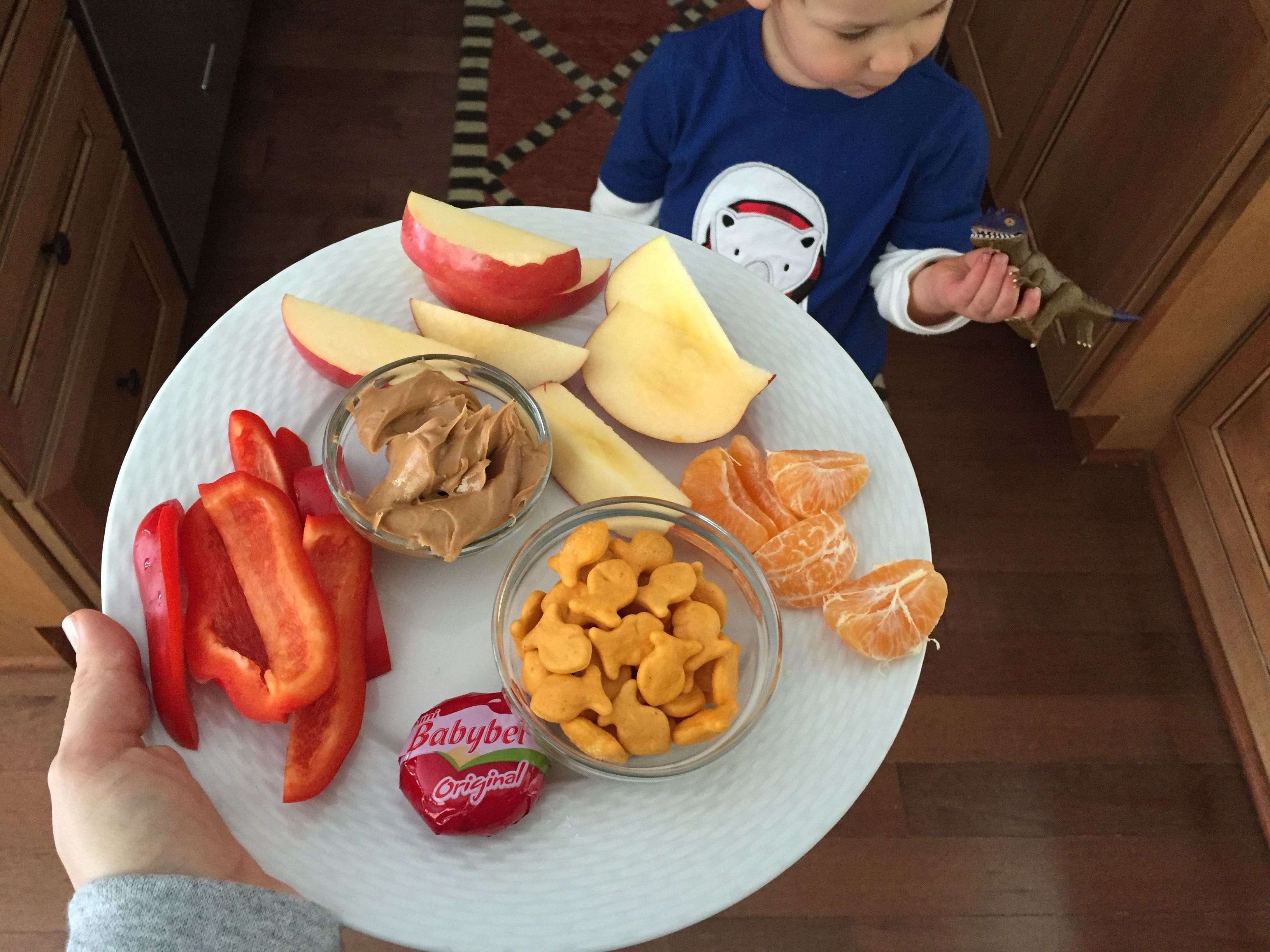 If you've had the luxury of making meals for a toddler you'll quickly appreciate the one constant that comes from creating a toddler feeding routine. Here's a look at what my toddler eats in a day- from breakfast to dinner and snacks included! The biggest difference I've noticed between feeding a baby and feeding a …