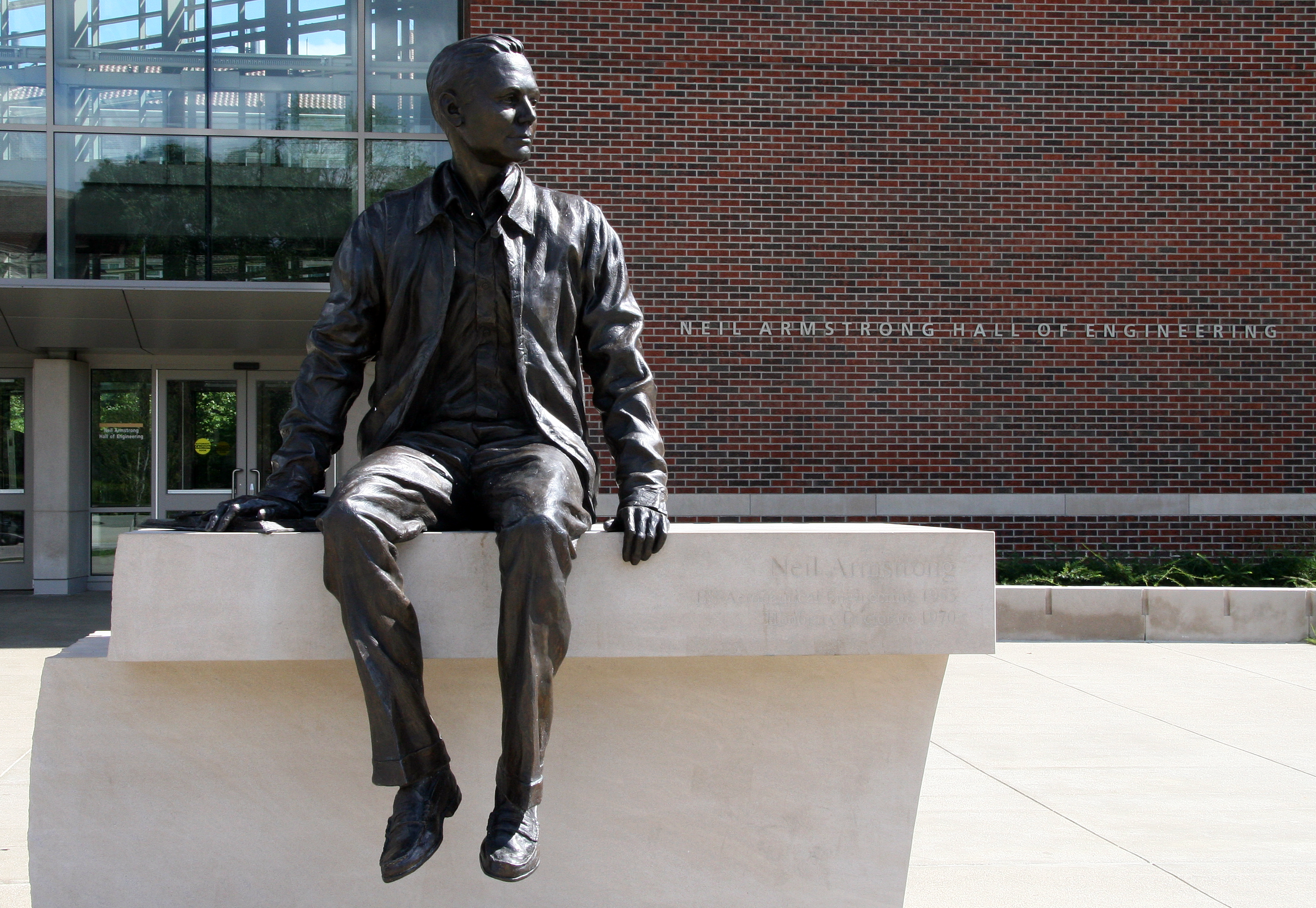 Dick armstrong statue