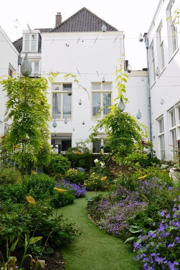 La Transformation D Un Jardin De 30m2 A Amsterdam Urban Garden Design Kleiner Stadtgarten Larmschutz Garten
