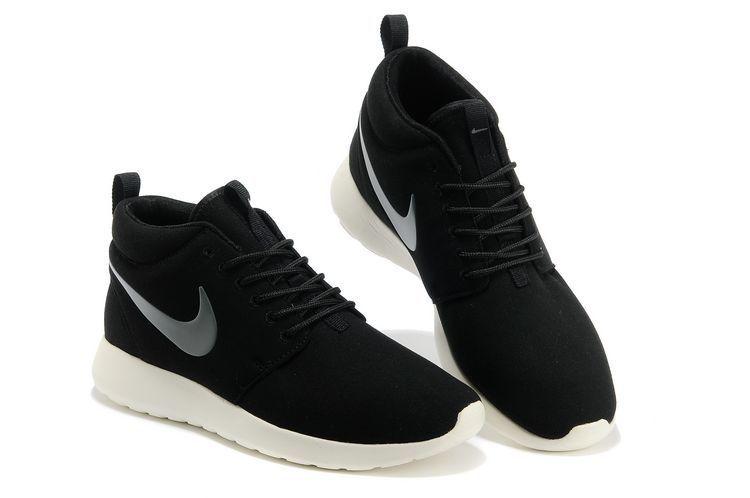 Nike Roshe Run Mid Suede Black White