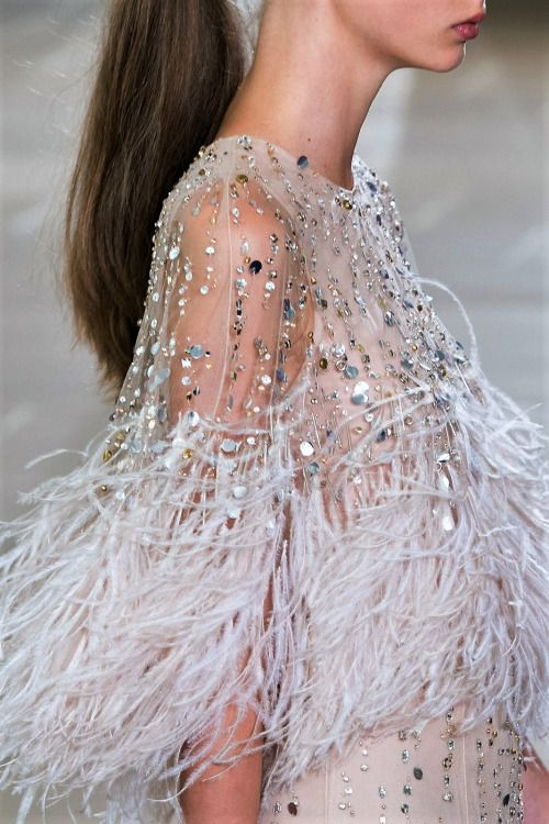 monsieur-j: Monique Lhuillier S/S 2017 Runway Details (Riches for Rags) #runwaydetails