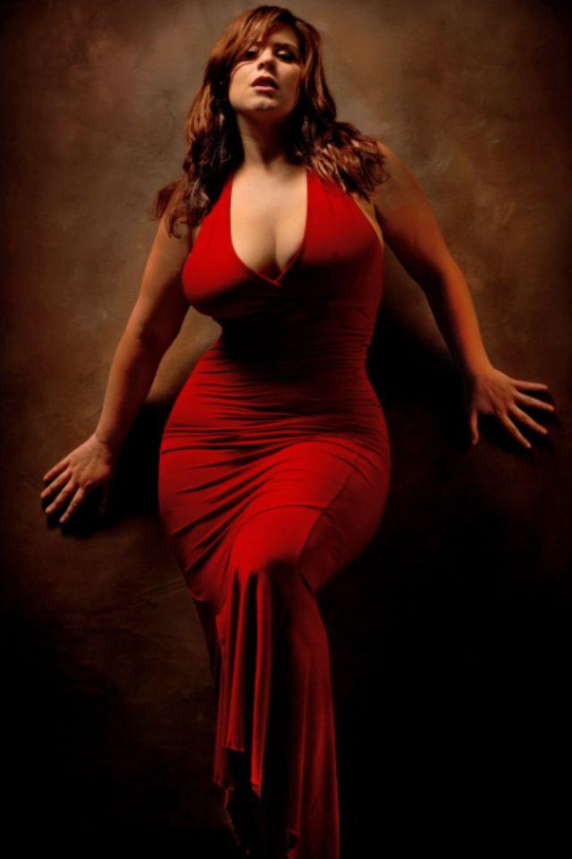 Voluptuous woman — photo 12