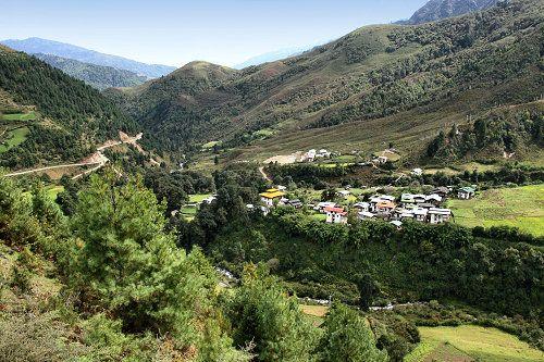LIVING TRAVEL – BHUTAN – Tilisi and Gangtey