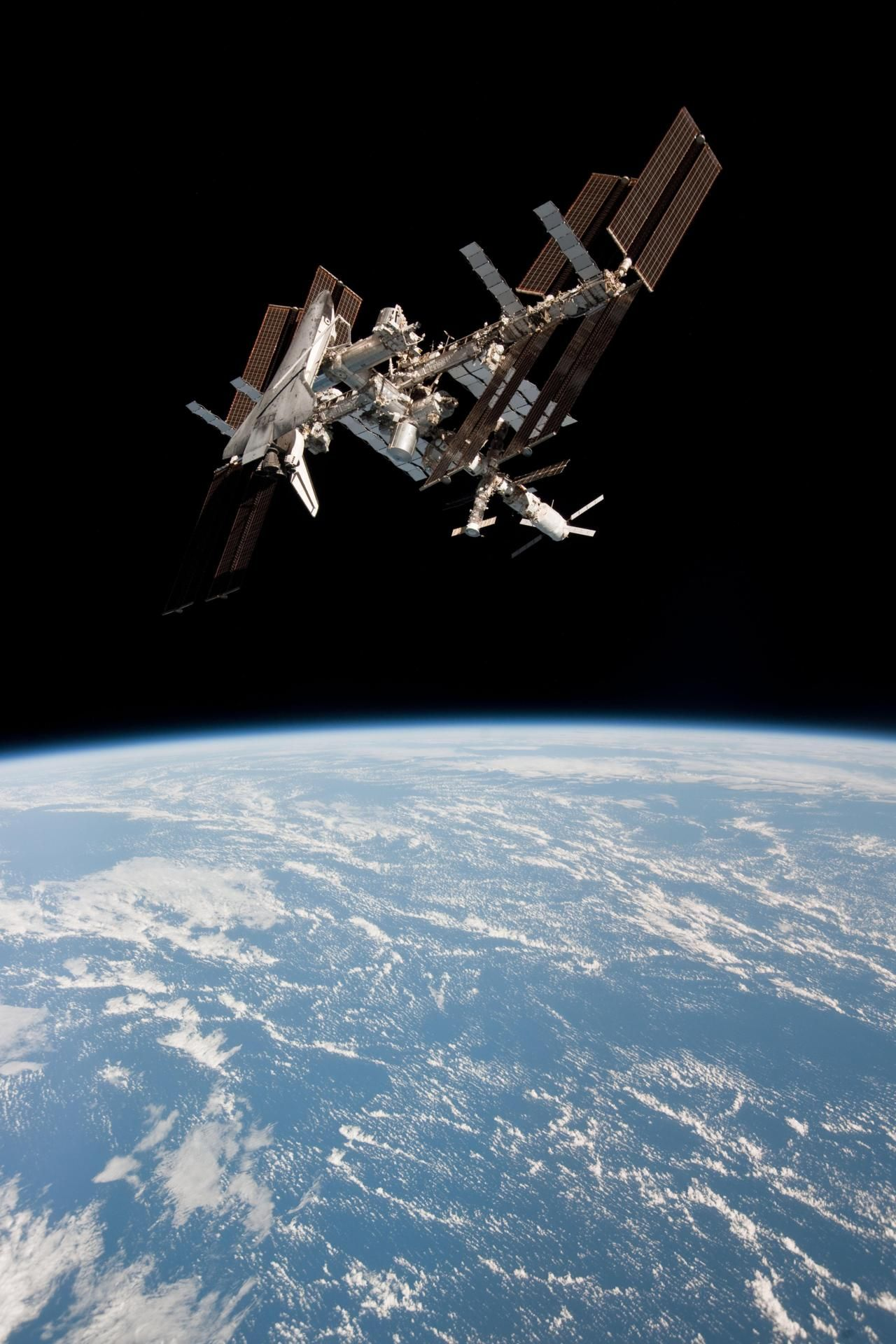 ISS International Space Station and The Space Shuttle