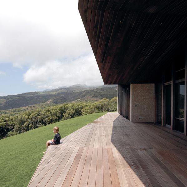 Clifftop House Maui by Dekleva Gregoric Arhitekti in Hawaii, USA ...