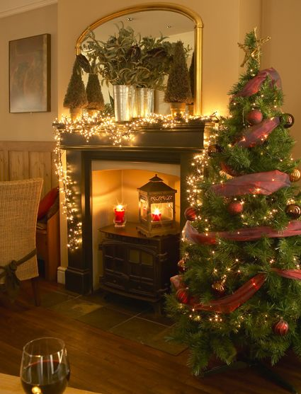 England Christmas Decorations.The Mulberry Tree Attleborough Norwich Norfolk A Very