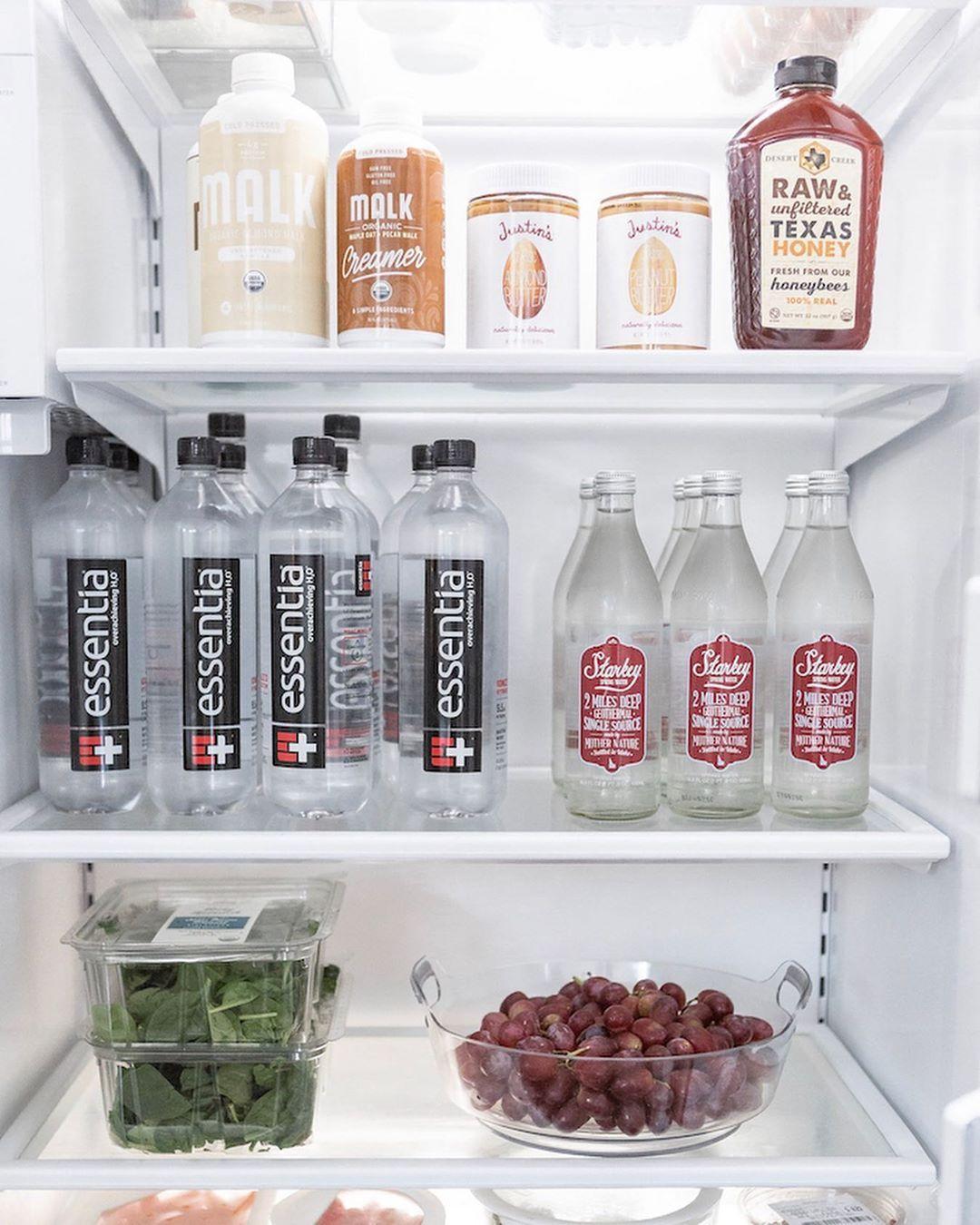 We 👀 spy, our Unsweetened Almond 🥛, Unsweetened Oat Milk 🌾+ Maple 🍁 Oat Creamer inside @krystalschlegel fridge.  Anyone else having fridge envy? Slide through to see how Krystal organized her fridge + showed us MAJOR MALK 💙. .⠀ .⠀ .⠀  ⠀