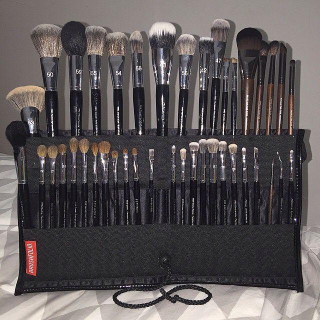 ᏁᎥƙƘᎥ ℒᎧᏤᏋᎦ Professional makeup kit, Makeup kit, Beauty
