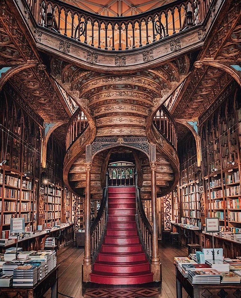 J K Rowling Lived In Porto Teaching English In The Early 1990s In Fact Livraria Lello Is The Inspiration Of The Beautiful Library Dream Library Old Libraries