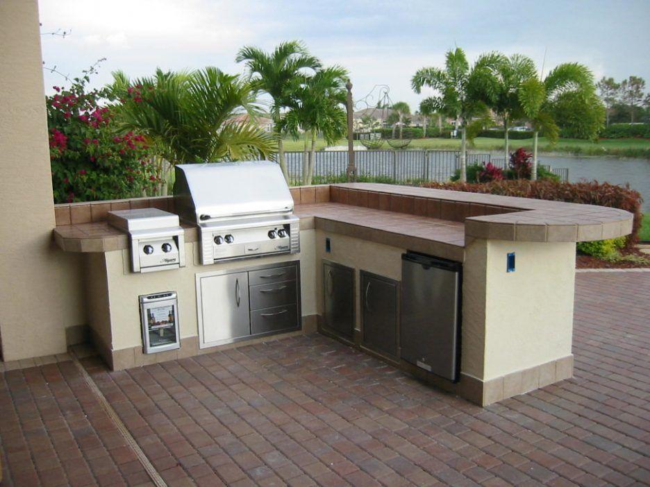 Kitchen Minimalist Kitchen Outdoor With Modern Outdoor Kitchen Sets Also Kitchen Stone Floor Outdoor Kitchen Decor Outdoor Kitchen Kits Outdoor Kitchen Grill