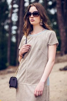 40fdb3b0a4b4 Na foto  kožené šaty (Van Graaf