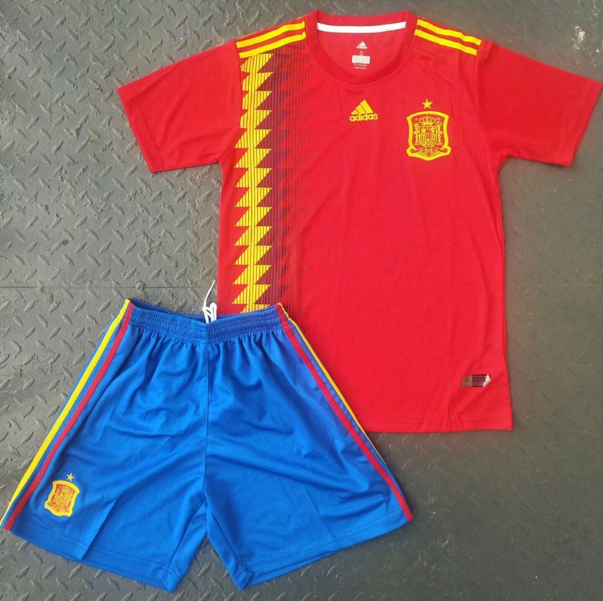 fb8972f19 11.99USD 2018 Spain World Cup Home Jersey Uniform Youth Red/Blue Football  National Team Kits Shirt+short