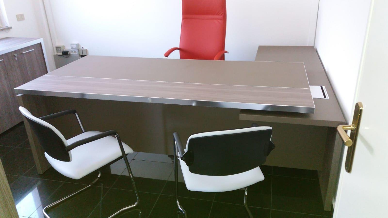 Arredamento uffici. Mobili IVM, sedute Diemme ...
