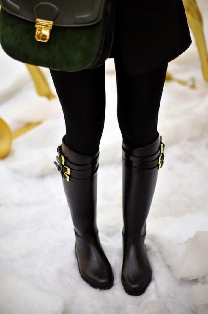 Classic - Burberry Belted Equestrian Rainboots #LOVE