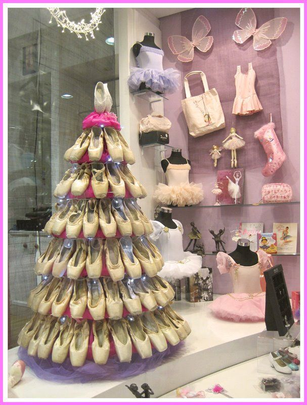 Christmas Shoe Tree.Pointe Shoe Tree Window Displays Pointe Shoes Dance